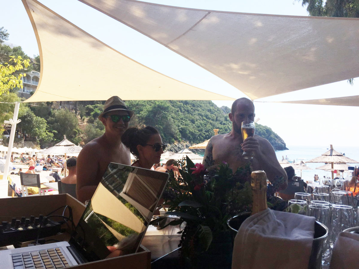 Akron beach bar restaurant paleokastritsa corfu Champagne party 00005